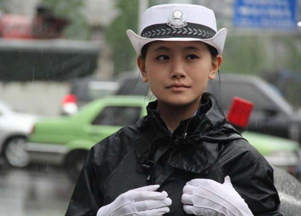 交警大队利用短信平台,为司机发送换季安全短信
