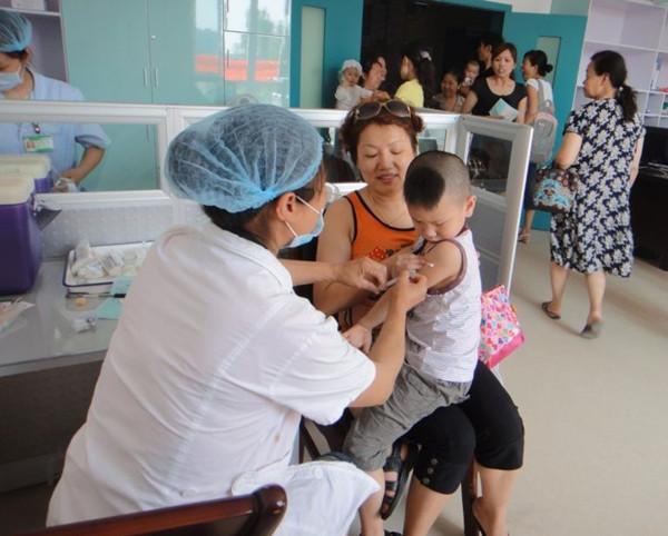 县镇府开通儿童疫苗接种短信通知服务,提高儿童疫苗接种率
