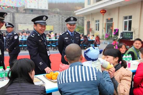 四川监狱开通亲情短信平台,促进社会和谐发展