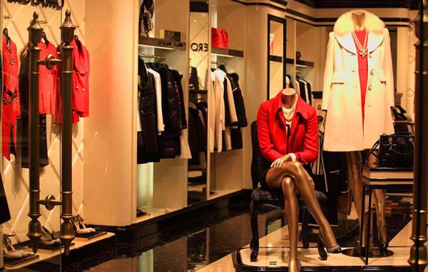 品牌服装店利用群发短信平台,让销量翻倍!